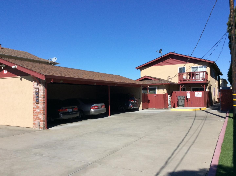 Maison avec plusieurs logements pour l Vente à 204 Poplar Avenue 204 Poplar Avenue Hayward, Californie 94541 États-Unis