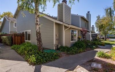 Maison accolée pour l Vente à 853 Vespucci Lane 853 Vespucci Lane Foster City, Californie 94404 États-Unis