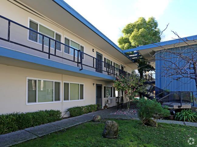 多戶家庭房屋 為 出售 在 3065 N Main Street 3065 N Main Street Walnut Creek, 加利福尼亞州 94597 美國