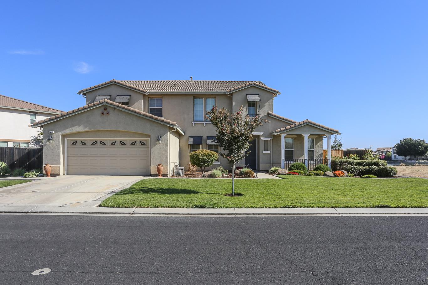 Single Family Home for Sale at 15015 Torrey Pines 15015 Torrey Pines Chowchilla, California 93610 United States