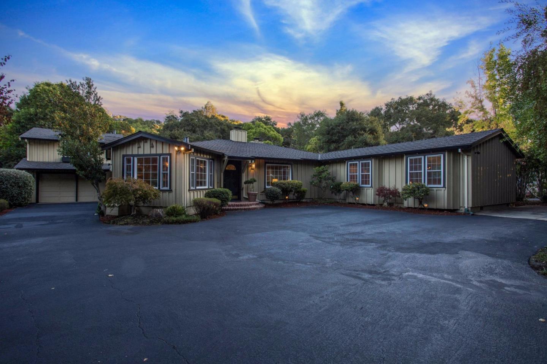 Maison unifamiliale pour l Vente à 1523 Ralston Avenue 1523 Ralston Avenue Belmont, Californie 94002 États-Unis