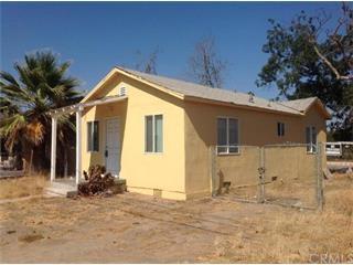 Maison unifamiliale pour l Vente à 207 Santa Cruz Street 207 Santa Cruz Street Madera, Californie 93637 États-Unis