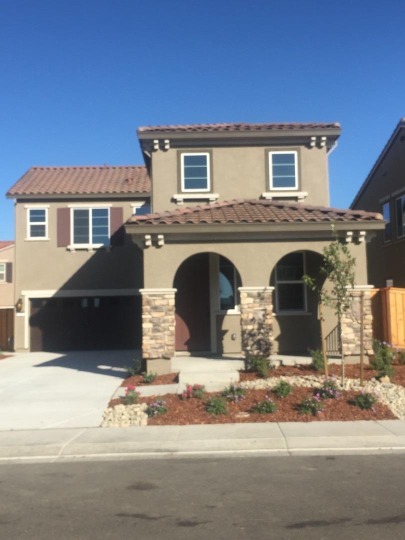 Casa Unifamiliar por un Alquiler en 525 Sitka Drive 525 Sitka Drive Vacaville, California 95687 Estados Unidos
