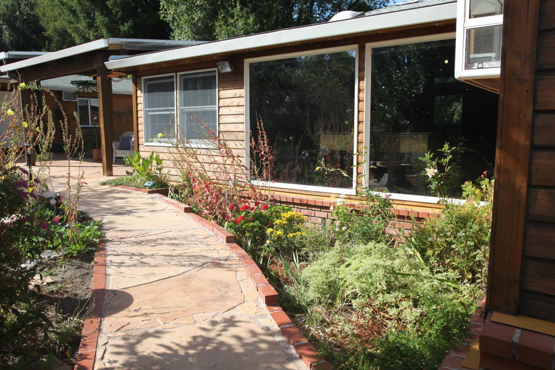 واحد منزل الأسرة للـ Sale في 10425 California Drive 10425 California Drive Ben Lomond, California 95005 United States