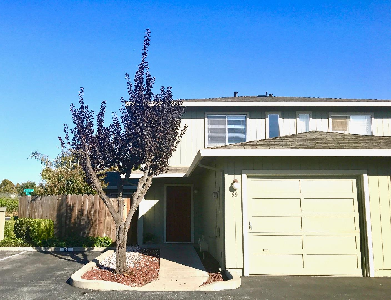 Casa unifamiliar adosada (Townhouse) por un Venta en 99 Knight Lane 99 Knight Lane Hollister, California 95023 Estados Unidos