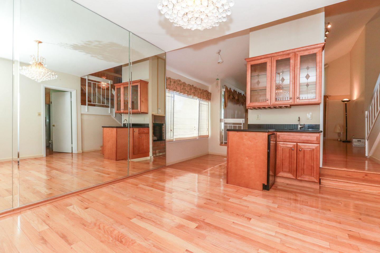 Additional photo for property listing at 600 Sandy Hook Court 600 Sandy Hook Court Foster City, 加利福尼亞州 94404 美國