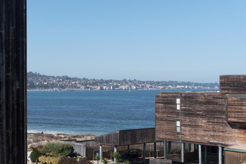 شقة بعمارة للـ Sale في 125 Surf Way 125 Surf Way Monterey, California 93940 United States