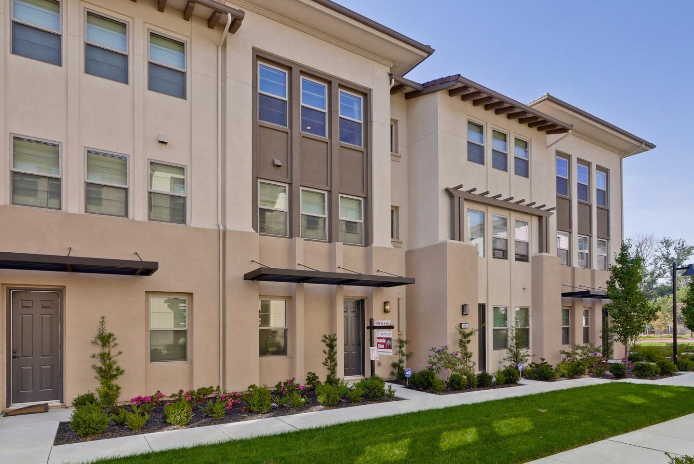多棟聯建住宅 為 出售 在 1035 Harebell Place 1035 Harebell Place San Jose, 加利福尼亞州 95131 美國