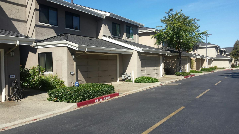 Maison accolée pour l Vente à 148 Albacore 148 Albacore Foster City, Californie 94404 États-Unis