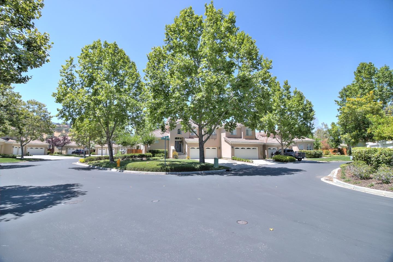Condominio por un Venta en 1142 Mallard Ridge Circle 1142 Mallard Ridge Circle San Jose, California 95120 Estados Unidos