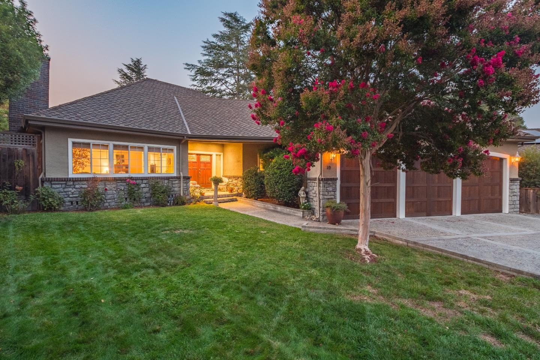 واحد منزل الأسرة للـ Sale في 10 Sterling Lane 10 Sterling Lane Scotts Valley, California 95066 United States