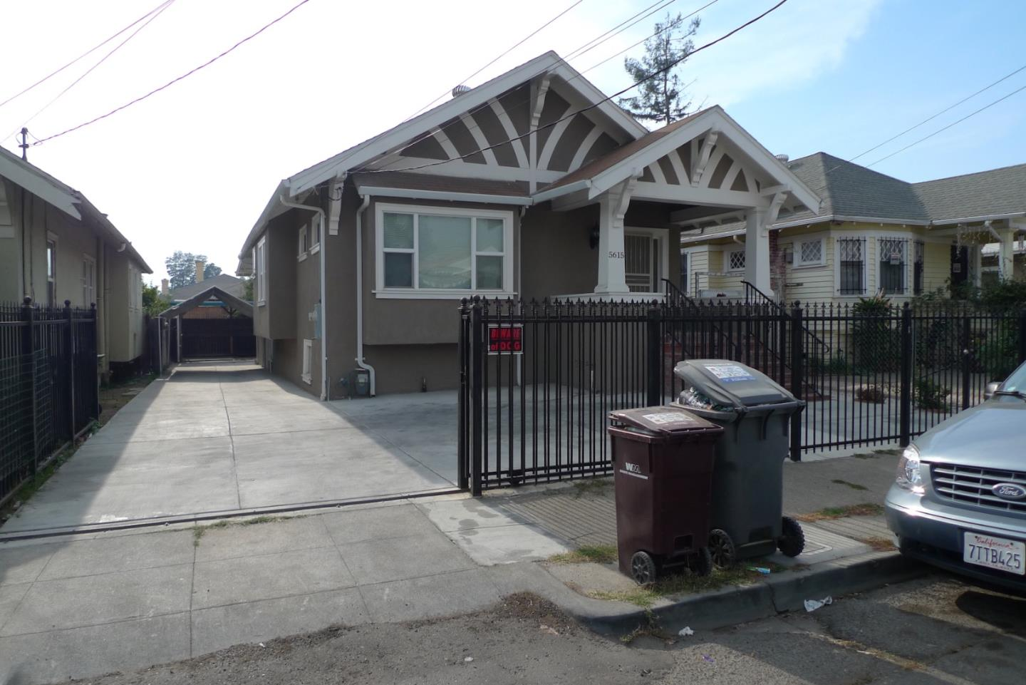 Single Family Home for Rent at 5615 E 17th Street 5615 E 17th Street Oakland, California 94621 United States