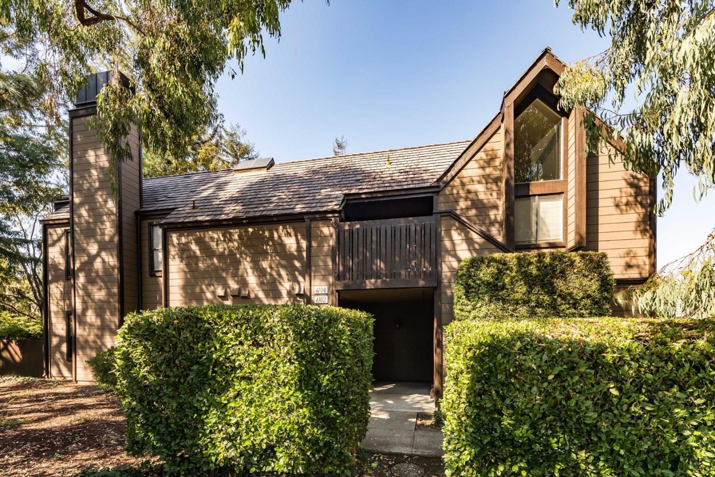 شقة بعمارة للـ Sale في 4102 Thain Way 4102 Thain Way Palo Alto, California 94306 United States