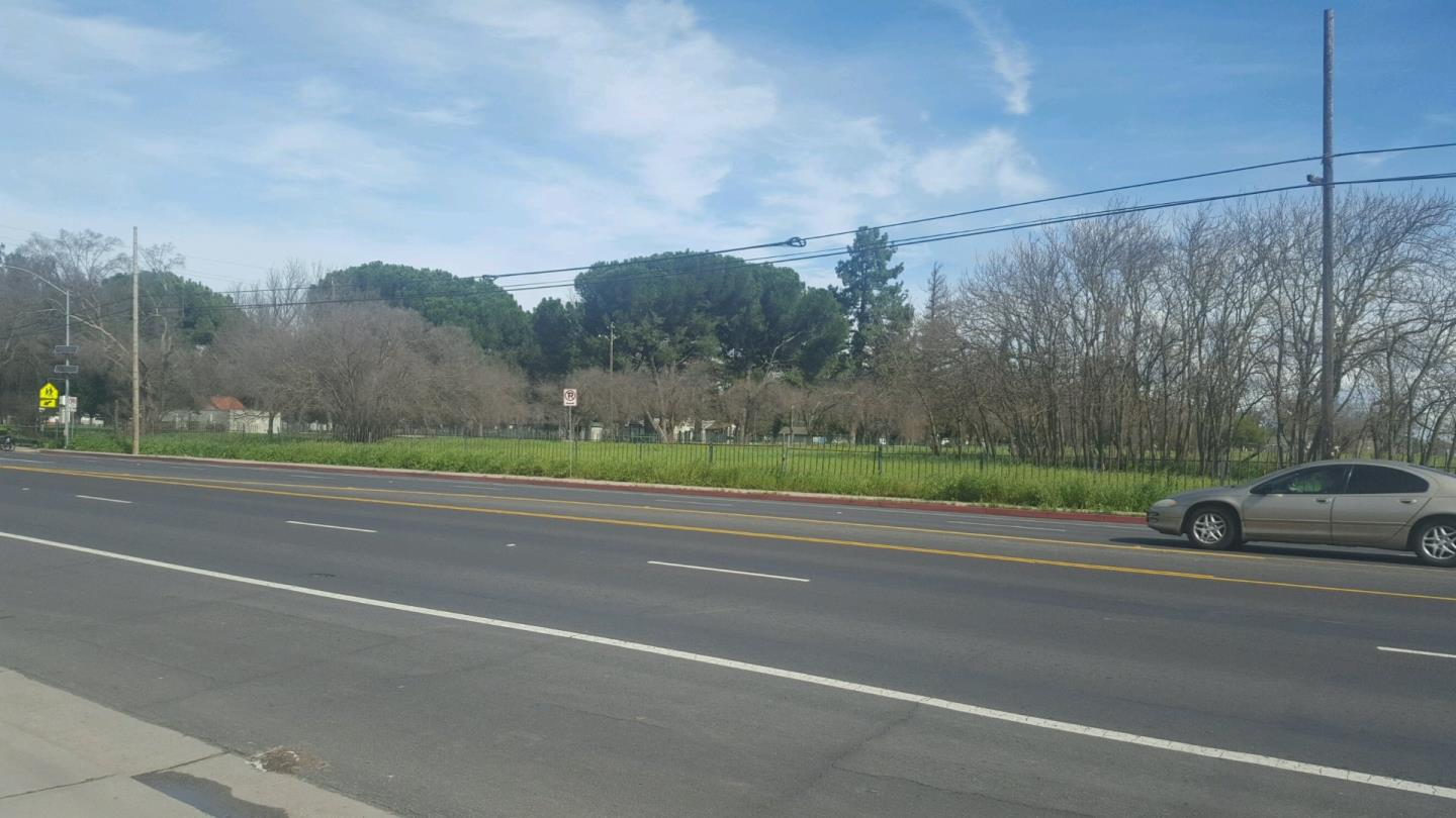 Land for Sale at 2424 S El Dorado Street 2424 S El Dorado Street Stockton, California 95204 United States