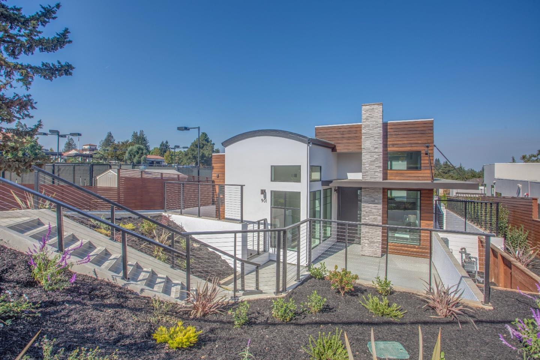Частный односемейный дом для того Продажа на 901 Loyola Drive 901 Loyola Drive Los Altos, Калифорния 94024 Соединенные Штаты