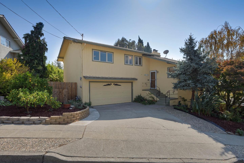 Single Family Home for Sale at 18770 Crane Avenue 18770 Crane Avenue Castro Valley, California 94546 United States
