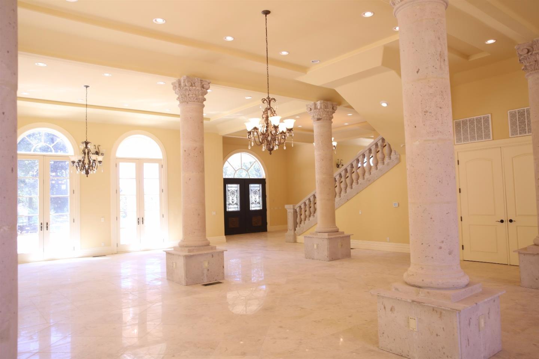 獨棟家庭住宅 為 出售 在 1131 Crestmont Drive 1131 Crestmont Drive Angwin, 加利福尼亞州 94508 美國