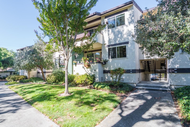 شقة بعمارة للـ Sale في 777 San Antonio Road 777 San Antonio Road Palo Alto, California 94303 United States