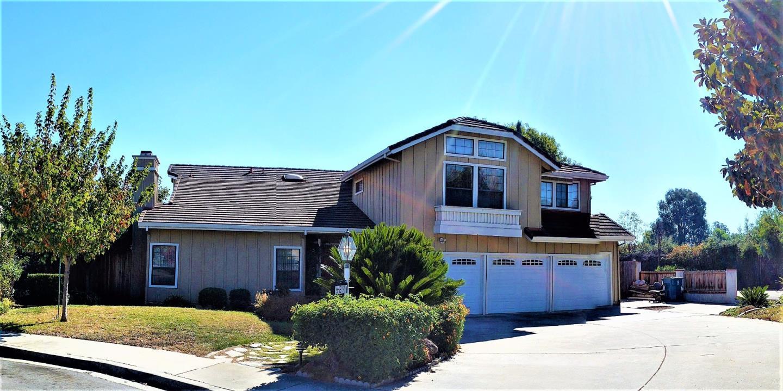 獨棟家庭住宅 為 出售 在 924 Hampton Court 924 Hampton Court Milpitas, 加利福尼亞州 95035 美國