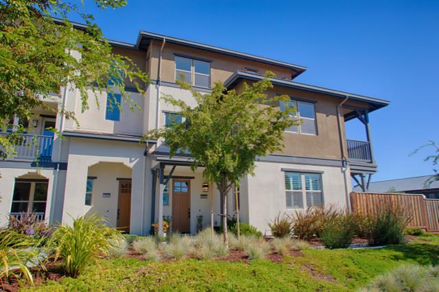 コンドミニアム のために 売買 アット 495 Mitchell Avenue 495 Mitchell Avenue Alameda, カリフォルニア 94501 アメリカ合衆国