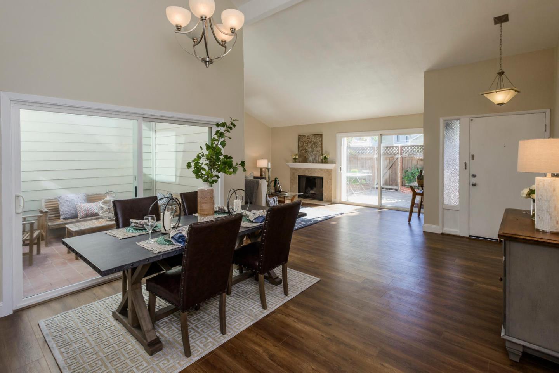 Maison accolée pour l Vente à 809 Peary Lane 809 Peary Lane Foster City, Californie 94404 États-Unis