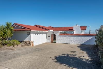 Casa Unifamiliar por un Venta en 1024 Crestview Drive 1024 Crestview Drive Millbrae, California 94030 Estados Unidos