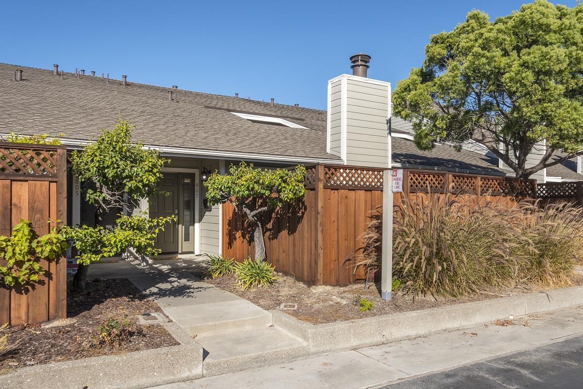 Maison accolée pour l Vente à 807 Peary Lane 807 Peary Lane Foster City, Californie 94404 États-Unis