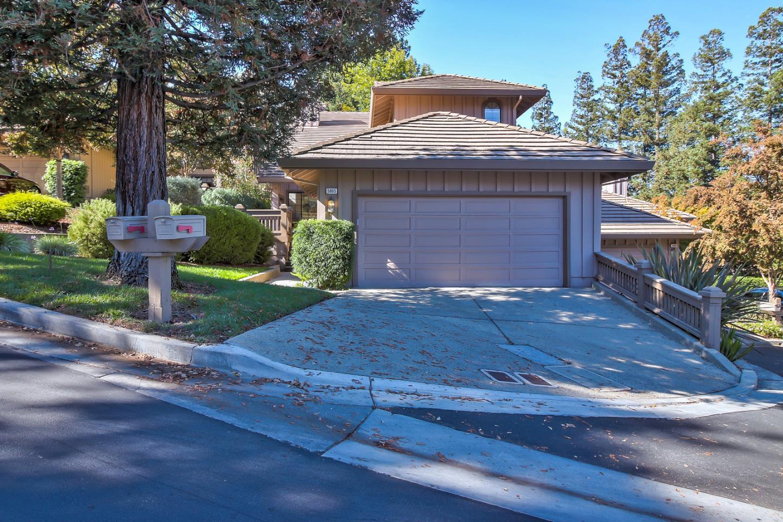 Таунхаус для того Продажа на 5865 Dry Oak Drive 5865 Dry Oak Drive San Jose, Калифорния 95120 Соединенные Штаты