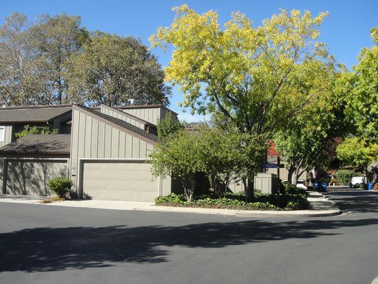 コンドミニアム のために 売買 アット 100 Walnut Hill Court 100 Walnut Hill Court Los Gatos, カリフォルニア 95032 アメリカ合衆国