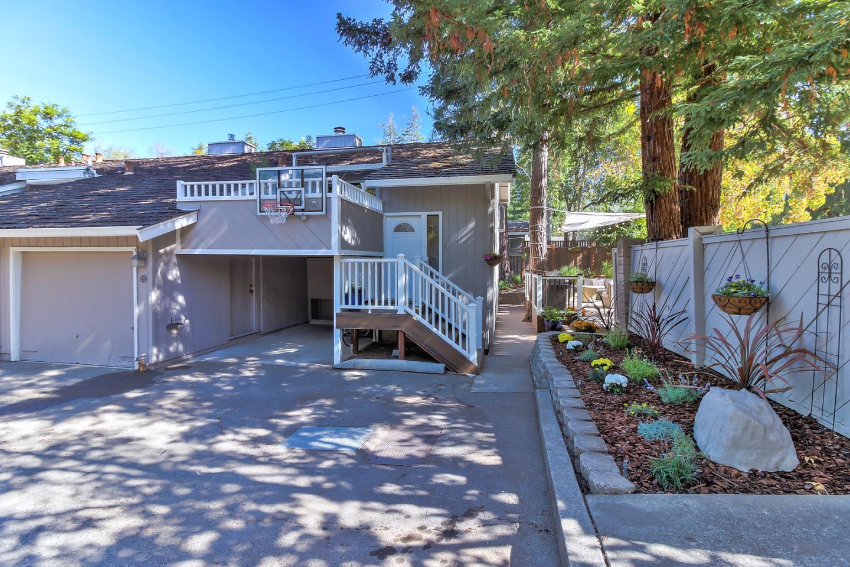 コンドミニアム のために 売買 アット 171 Villa Avenue 171 Villa Avenue Los Gatos, カリフォルニア 95030 アメリカ合衆国