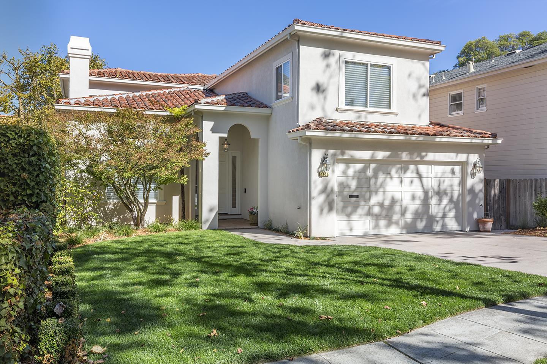 Casa Unifamiliar por un Venta en 1432 Balboa Avenue 1432 Balboa Avenue Burlingame, California 94010 Estados Unidos
