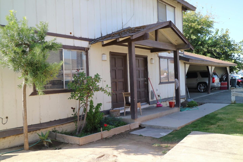 二世帯住宅 のために 売買 アット 504 W Tulare Street 504 W Tulare Street Dinuba, カリフォルニア 93618 アメリカ合衆国
