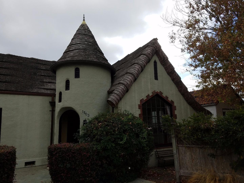 Частный односемейный дом для того Аренда на 1503 King Street 1503 King Street Santa Cruz, Калифорния 95060 Соединенные Штаты