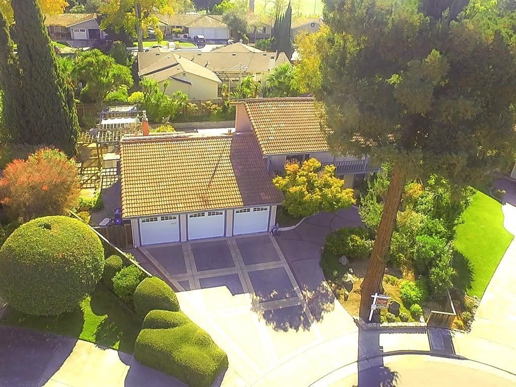 Частный односемейный дом для того Продажа на 598 Torland Court 598 Torland Court Sunnyvale, Калифорния 94087 Соединенные Штаты