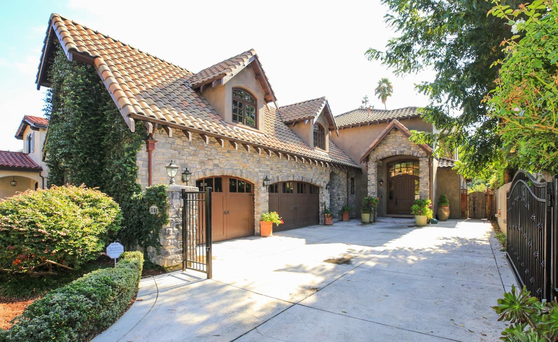 واحد منزل الأسرة للـ Sale في 1184 Nevada Avenue 1184 Nevada Avenue San Jose, California 95125 United States