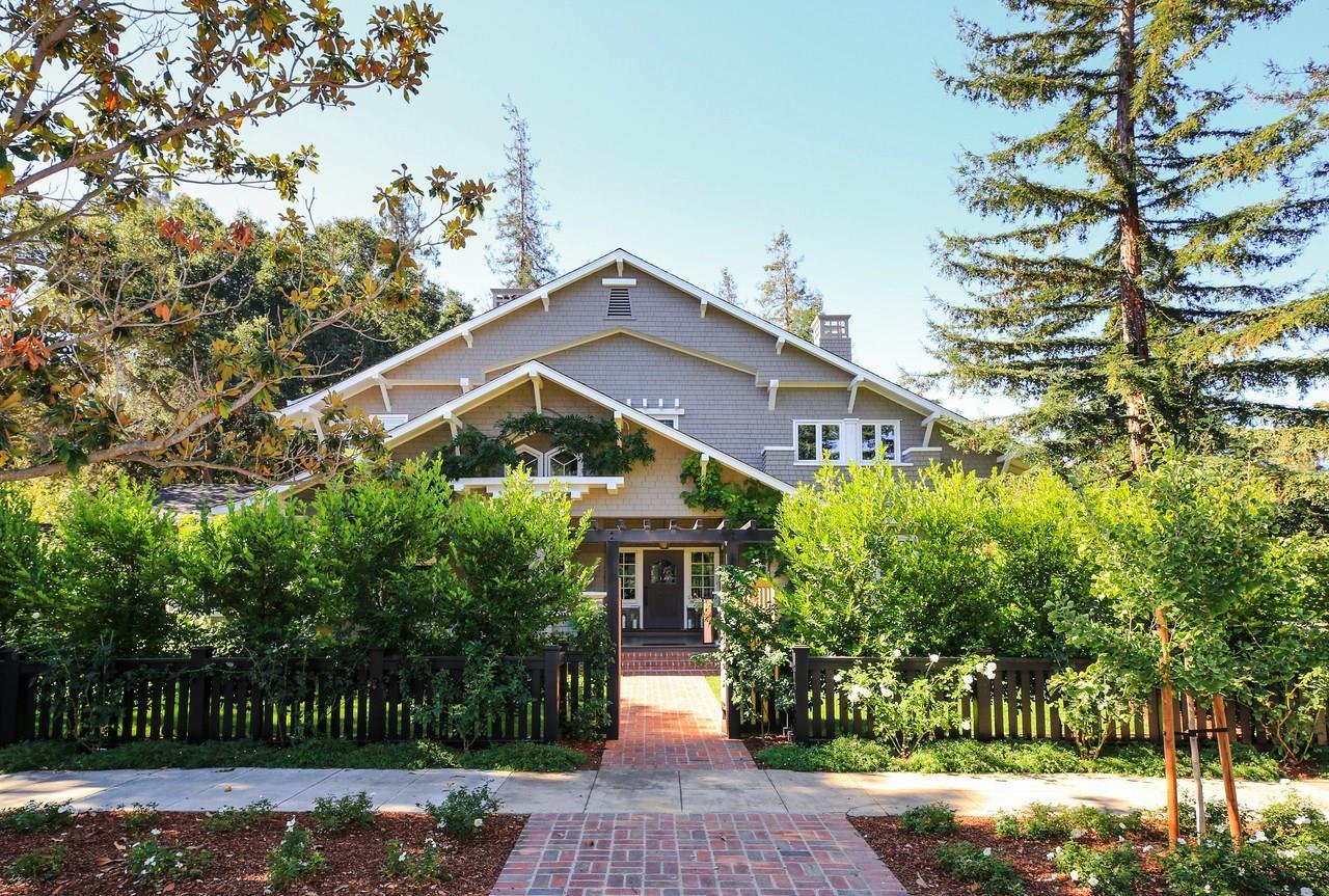 Частный односемейный дом для того Продажа на 500 University Avenue 500 University Avenue Los Altos, Калифорния 94022 Соединенные Штаты