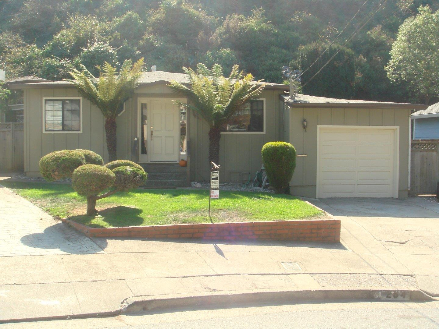 Single Family Home for Rent at 264 Berendos Avenue 264 Berendos Avenue Pacifica, California 94044 United States