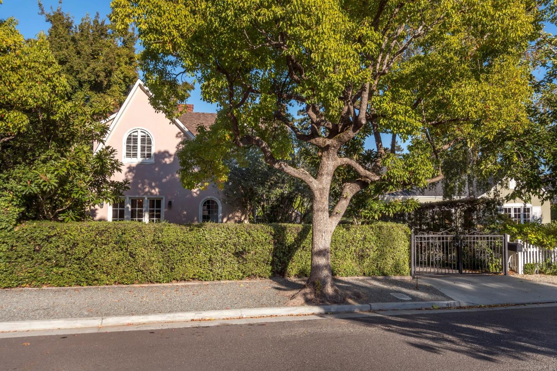 Maison unifamiliale pour l Vente à 468 Midway Avenue 468 Midway Avenue San Mateo, Californie 94402 États-Unis