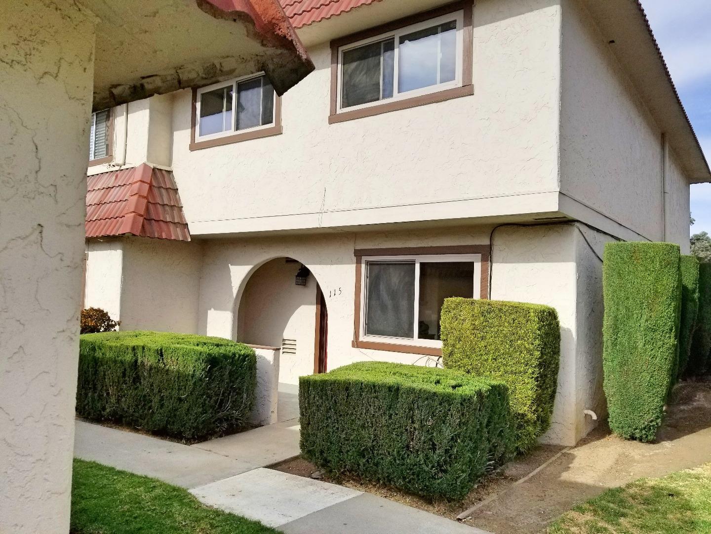 Таунхаус для того Продажа на 115 Villa Pacheco Court 115 Villa Pacheco Court Hollister, Калифорния 95023 Соединенные Штаты