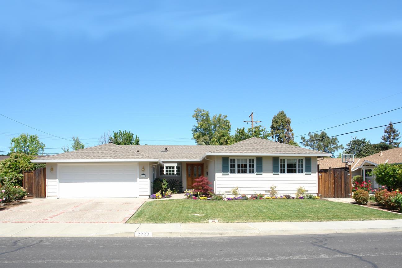 Maison unifamiliale pour l Vente à 3823 Sullivan Drive 3823 Sullivan Drive Santa Clara, Californie 95051 États-Unis