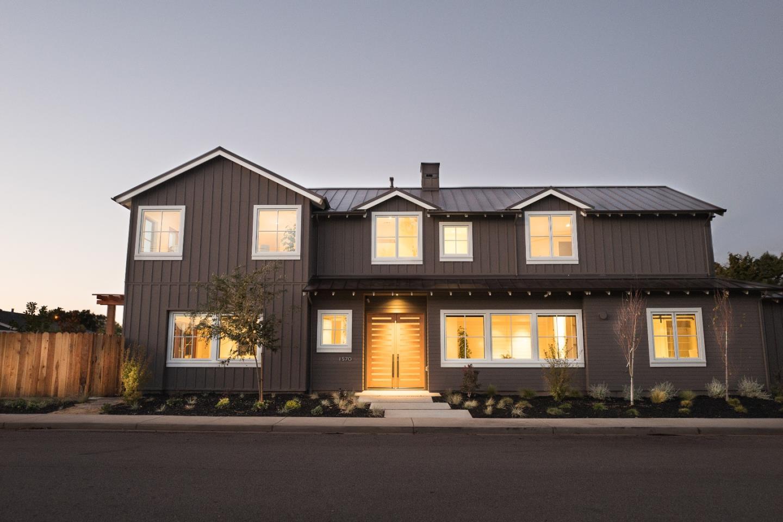 Частный односемейный дом для того Продажа на 1570 Van Dusen Lane 1570 Van Dusen Lane Campbell, Калифорния 95008 Соединенные Штаты