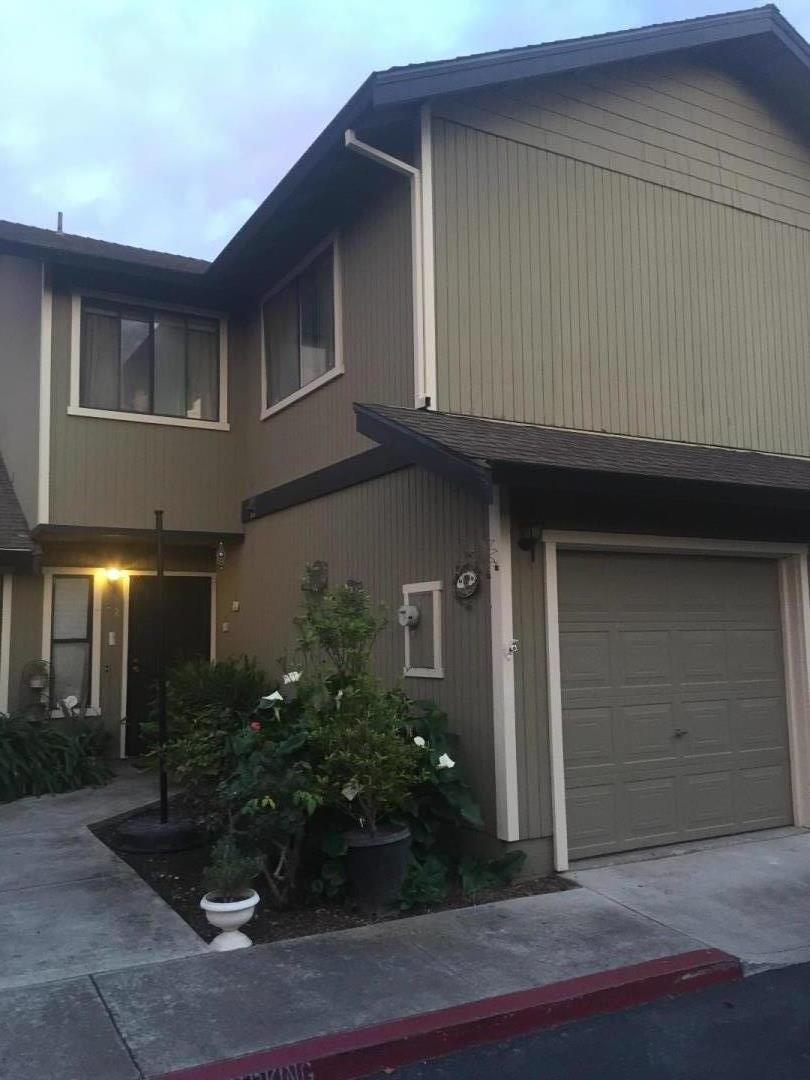 Таунхаус для того Продажа на 801 Nash Road 801 Nash Road Hollister, Калифорния 95023 Соединенные Штаты