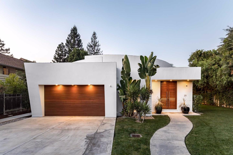 Casa Unifamiliar por un Venta en 25 W Portola Avenue 25 W Portola Avenue Los Altos, California 94022 Estados Unidos