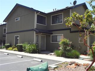 Casa unifamiliar adosada (Townhouse) por un Venta en 811 Nash Road 811 Nash Road Hollister, California 95023 Estados Unidos