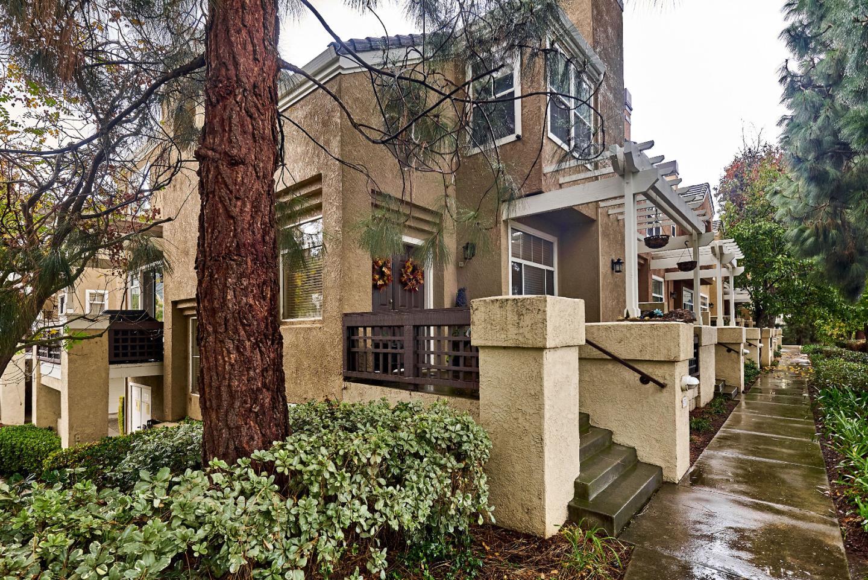 多棟聯建住宅 為 出售 在 417 Camille Circle 417 Camille Circle San Jose, 加利福尼亞州 95134 美國