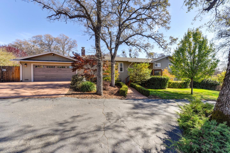 Частный односемейный дом для того Продажа на 3742 Martina Court 3742 Martina Court Auburn, Калифорния 95602 Соединенные Штаты