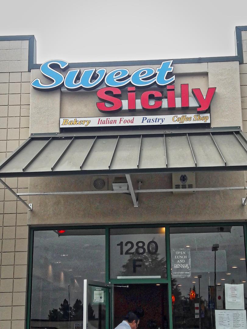 Commercial pour l Vente à 1280 First Street 1280 First Street Gilroy, Californie 95020 États-Unis
