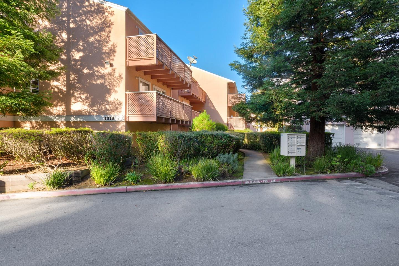 共管物業 為 出售 在 1019 San Gabriel Circle 1019 San Gabriel Circle Daly City, 加利福尼亞州 94014 美國