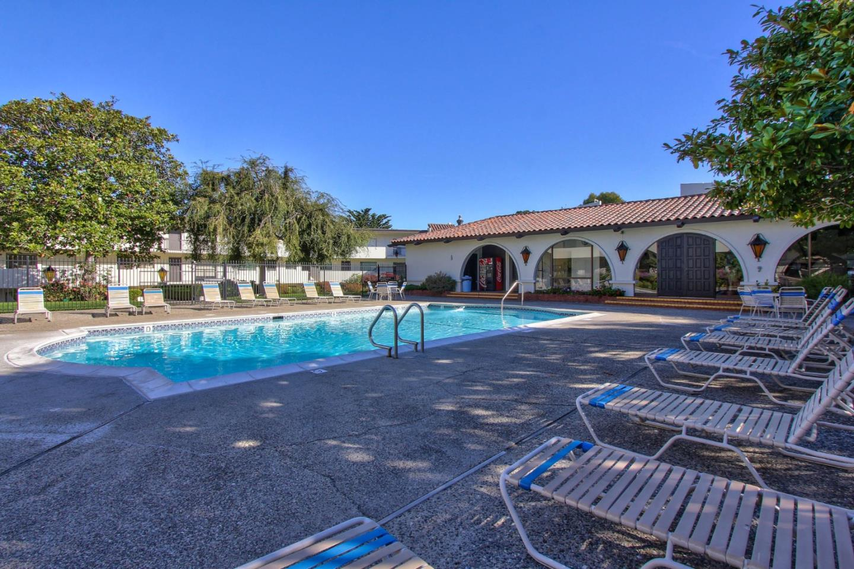 شقة بعمارة للـ Sale في 500 Glenwood Circle 500 Glenwood Circle Monterey, California 93940 United States
