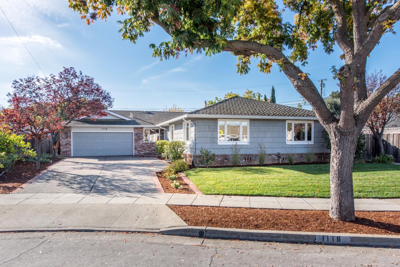 Частный односемейный дом для того Продажа на 1118 The Dalles Avenue 1118 The Dalles Avenue Sunnyvale, Калифорния 94087 Соединенные Штаты